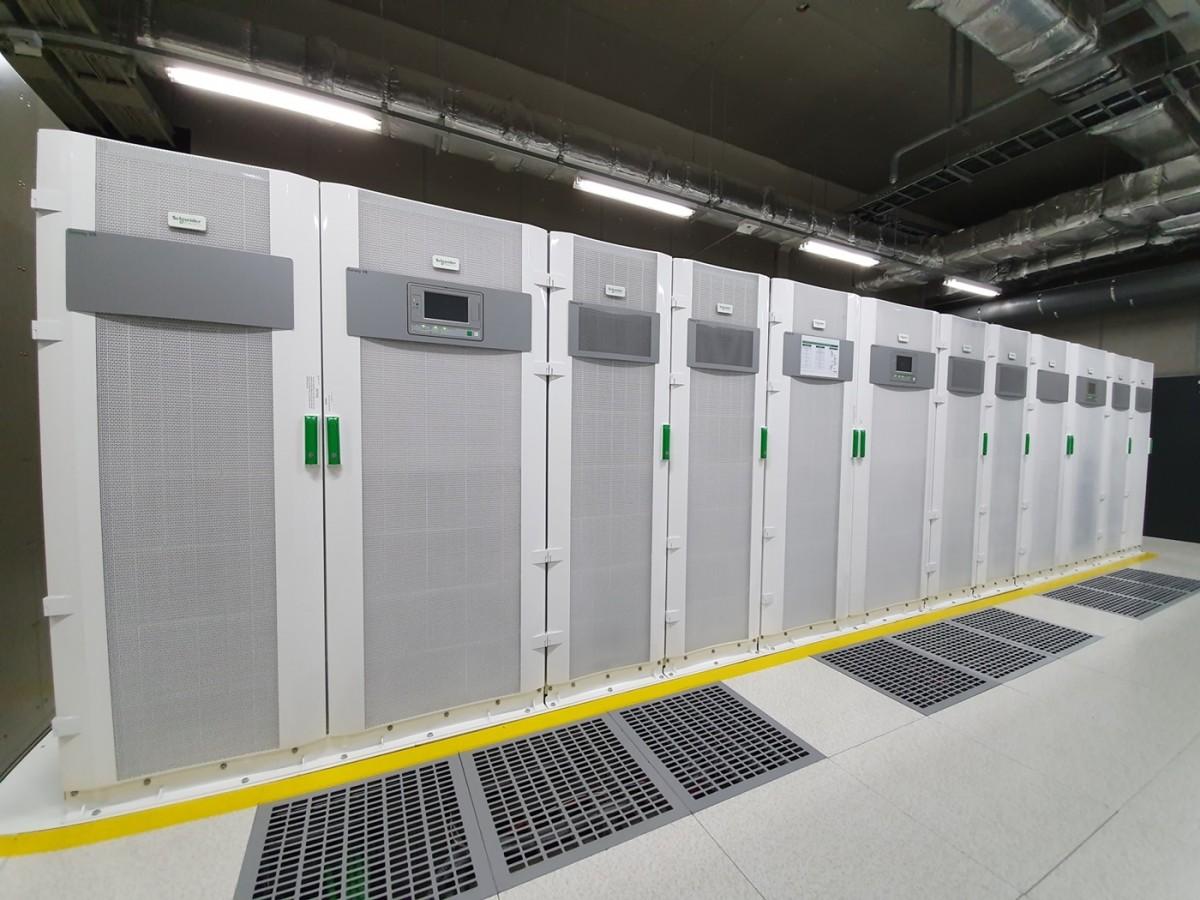 [사진자료] 슈나이더 일렉트릭, 더존비즈온IDC 에너지 절감 솔루션 구축_UPS.jpg
